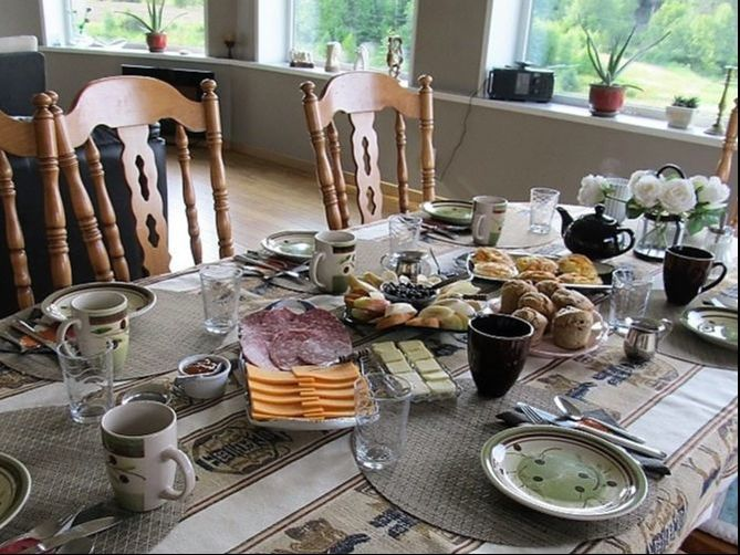 Complimentary breakfast table